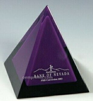 Lucite 4-sided Pyramid Stock Embedment / Award