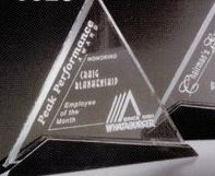 "Sable Gallery Crystal Cavalcade Triangle Award (7"")"