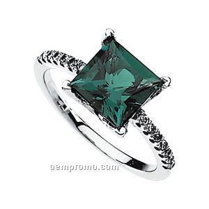 14kw Chatham Created Emerald And 1/6 Ct Tw Diamond Ring