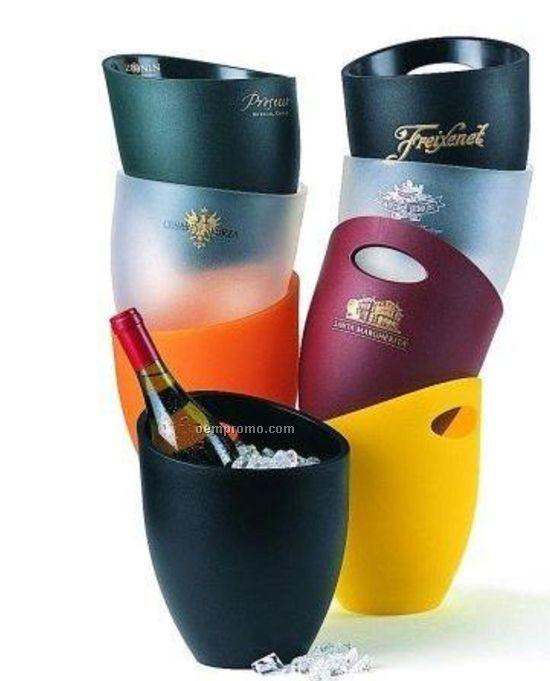 Eco-friendly Plastic Ice Bucket.