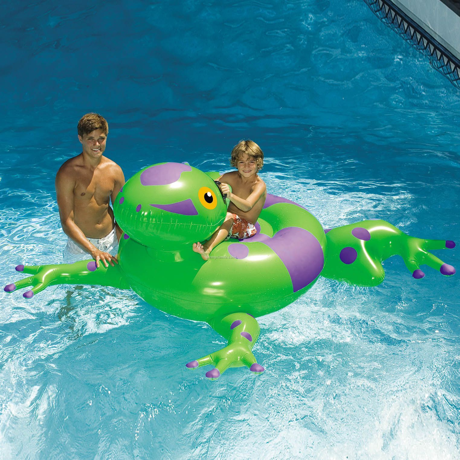 Swimline giant inflatable frog ride on china wholesale for Giant swimming pool