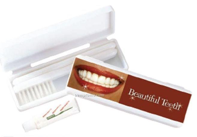 Road Runner Traveling Toothbrush Kit