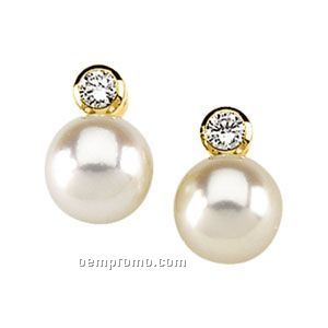 Ladies' 14ky 7mm Cultured Pearl & 1/10 Ct Tw Diamond Round Earring
