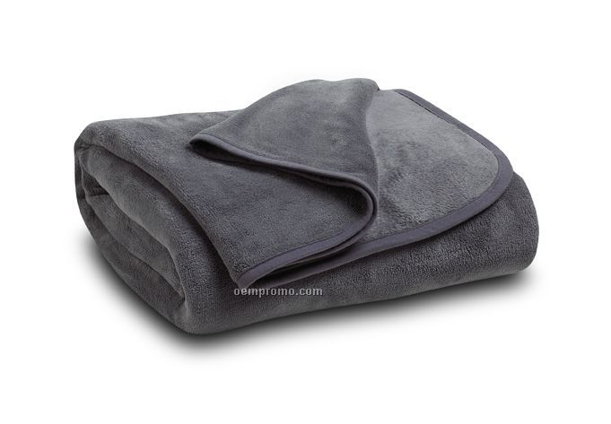 Warm Blankets & Throws from Sam's Club. Sam's Club offers blankets for all types of beds in a variety of sizes and colors for much less than what you would expect to pay at a housewares store.