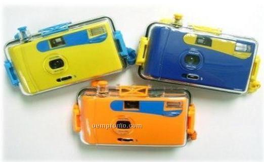 Waterproof 35mm Manual-wind Camera/Flash