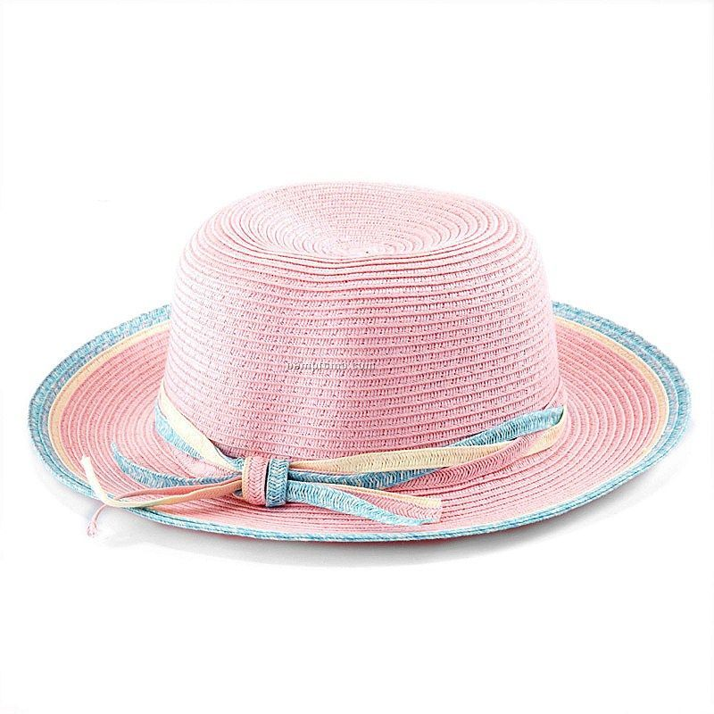 Gril`s pink straw hat