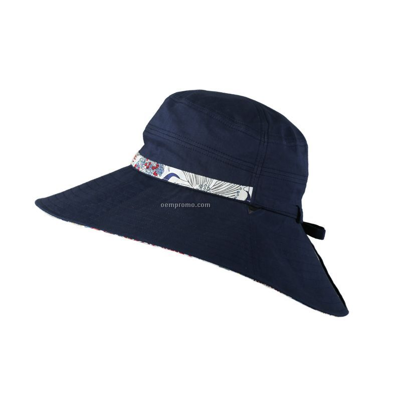Lady black fashion bucket hat
