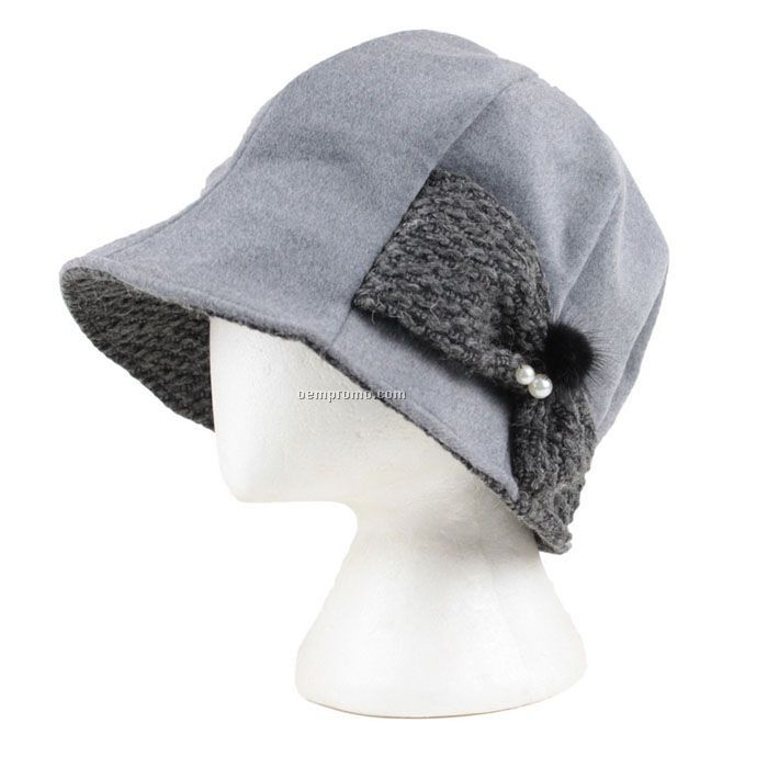 Winter lady bucket hat
